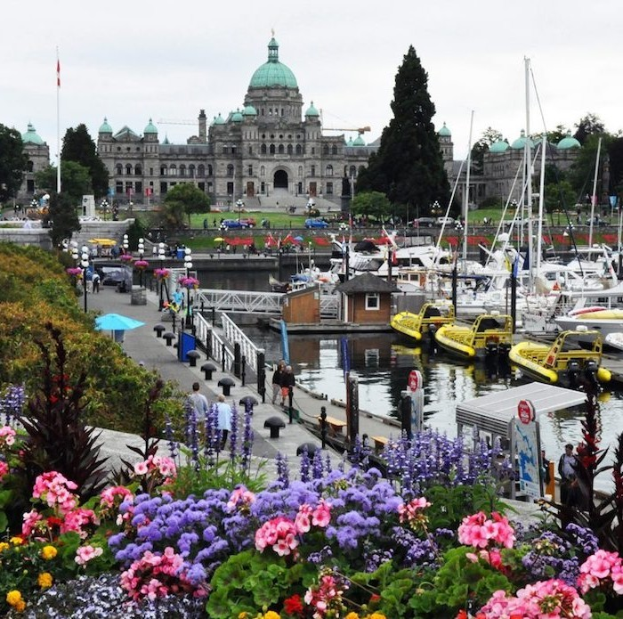 British Columbia: Land of rainforests, mists and tales